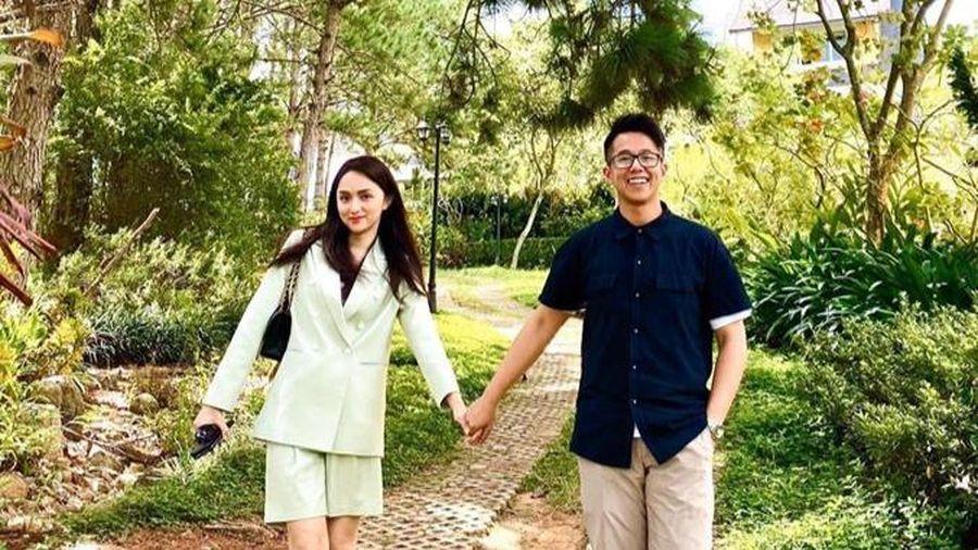 Miko Lan Trinh công khai người yêu chuyển giới, ủng hộ Hương Giang khi bị miệt thị