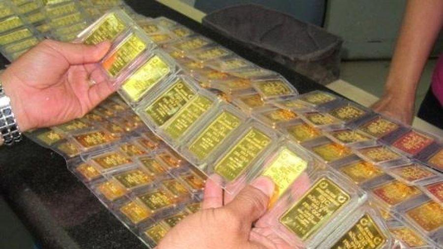 Giá vàng đã giảm gần 7 triệu đồng/lượng chỉ sau 5 ngày, có nên mua vào?