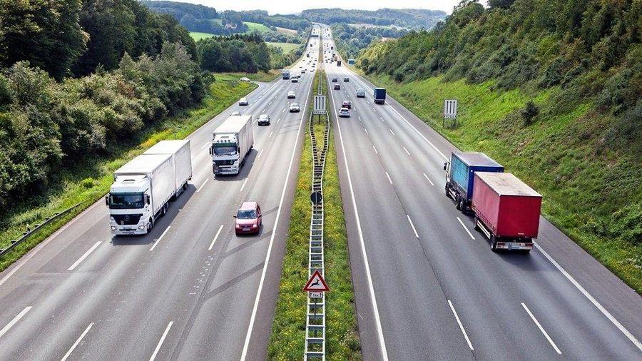 Làn dừng khẩn cấp là gì? Cách sử dụng làn đường dừng khẩn cấp trong cao tốc