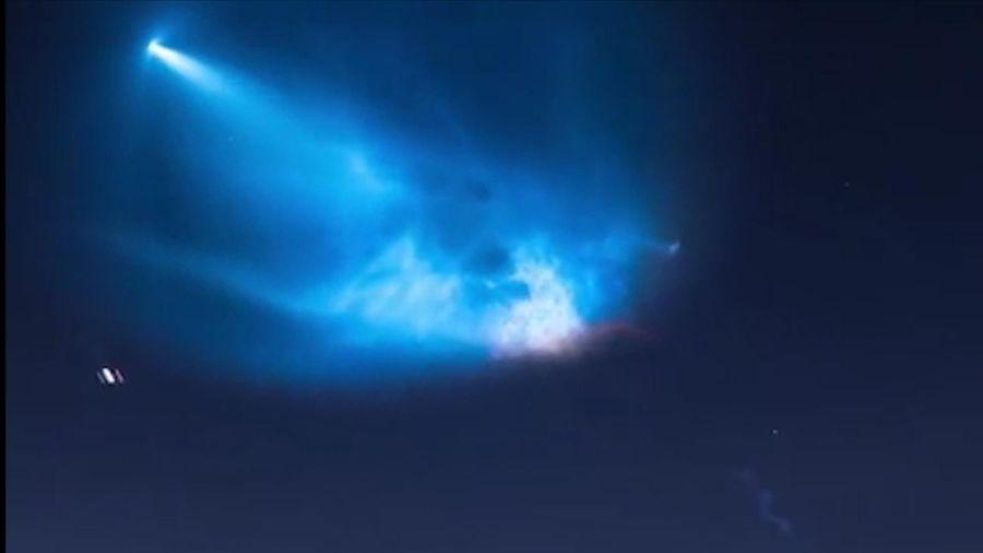 Hiện tượng 'chạng vạng' kỳ thú khi tàu vũ trụ rời khỏi khí quyển Trái Đất
