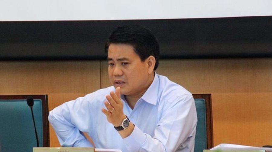 Bản tin 11/8: Thêm 16 ca COVID-19; Chủ tịch UBND Hà Nội bị đình chỉ công tác