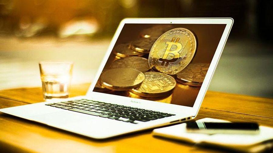 Giá Bitcoin hôm nay ngày 11/8: Tăng hơn 100 USD/BTC, giá Bitcoin áp sát cột mốc 12.000 USD