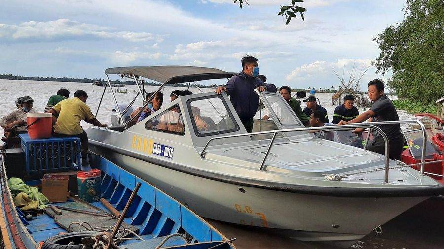 4 người thoát chết, một nạn nhân mất tích khi câu cá