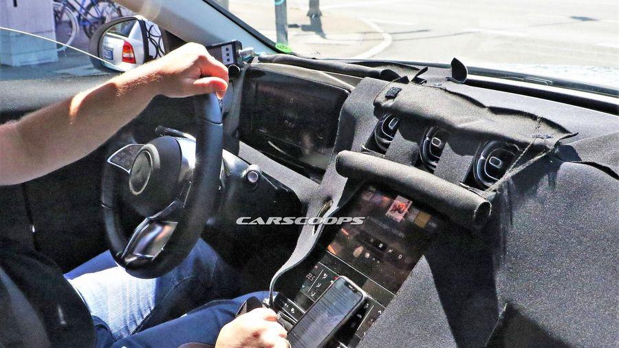 Lộ ảnh nội thất Mercedes-Benz C-Class thế hệ mới