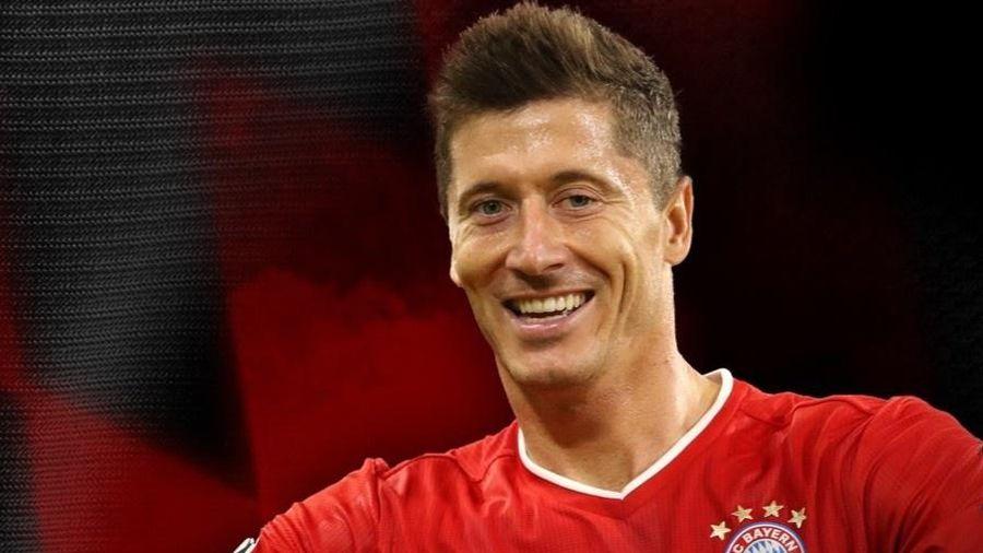 Lewandowski ghi bàn bằng cả đội Barca tại Champions League