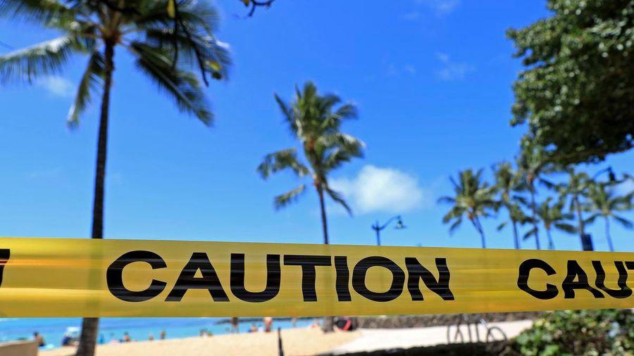 Ca nhiễm Covid-19 tăng kỷ lục, Hawaii đóng cửa các bãi biển