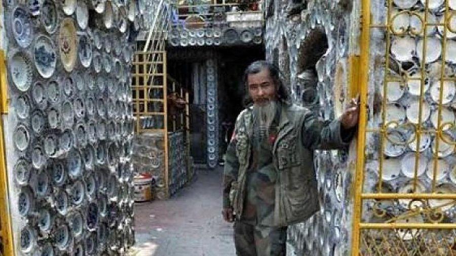 Dành 25 năm trang trí nhà với gần 10.000 bát đĩa cổ