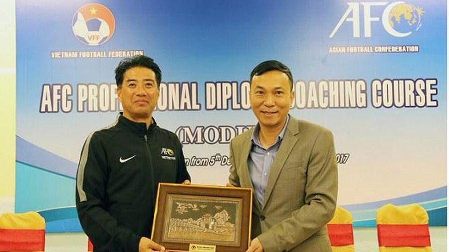 Tân GĐKT VFF đang cách ly tại Quảng Ninh