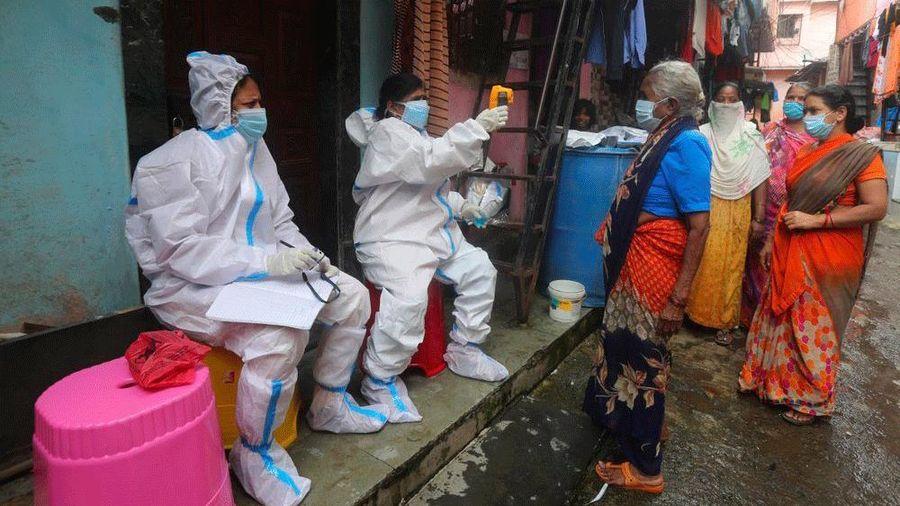 Dịch Covid-19 ngày 12/8: Trên 240.000 nhiễm bệnh chỉ trong 1 ngày, cuộc đua vaccine càng gay cấn