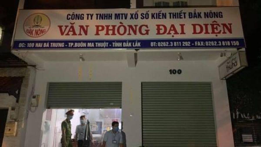 Đắk Lắk: Hàng chục người tụ tập ăn nhậu tại công ty xổ số khi đang cách ly xã hội