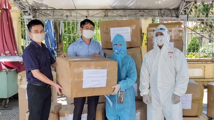 Đà Nẵng tiếp nhận 80 tấn vật tư hàng hóa phòng, chống dịch COVID-19