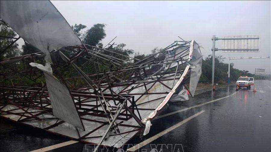 Trung Quốc hủy hàng trăm chuyến bay tại Bắc Kinh do mưa bão