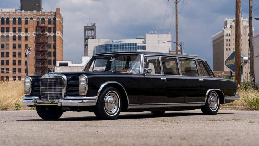 Mercedes-Benz từng phục vụ ngoại trưởng Trung Quốc được bán đấu giá