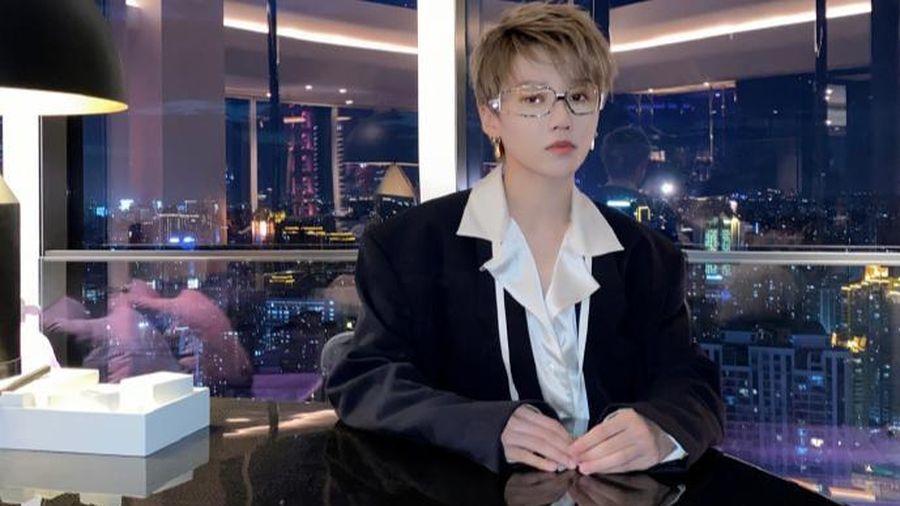 Là 'lính mới' nhưng Lưu Vũ Hân đã chứng tỏ sức hút 'chất chơi' qua số lượng tiêu thụ tạp chí