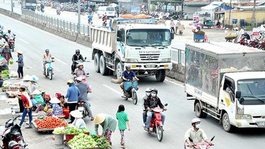 Kiên quyết xóa họp chợ ven đường