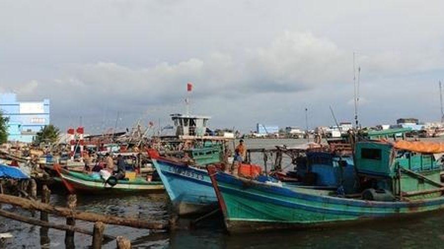 Truy tìm nhóm người về từ Malaysia bằng đường biển