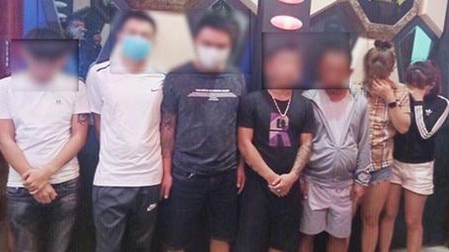 Bắt quả tang 1 nhóm thanh niên sử dụng ma túy tại quán Karaoke giữa mùa dịch