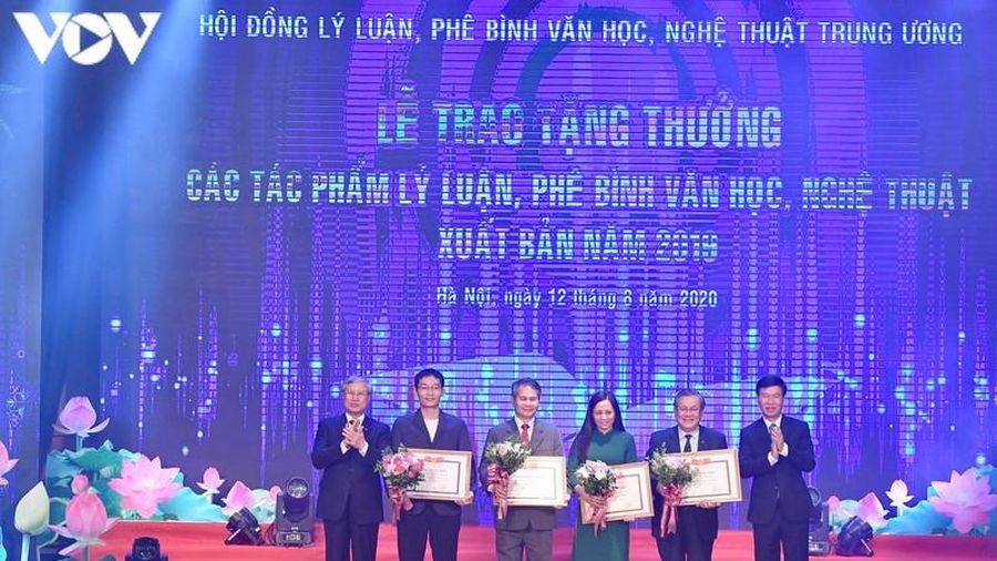 Ban Bí thư Trung ương tặng thưởng các tác phẩm lý luận, phê bình văn học, nghệ thuật