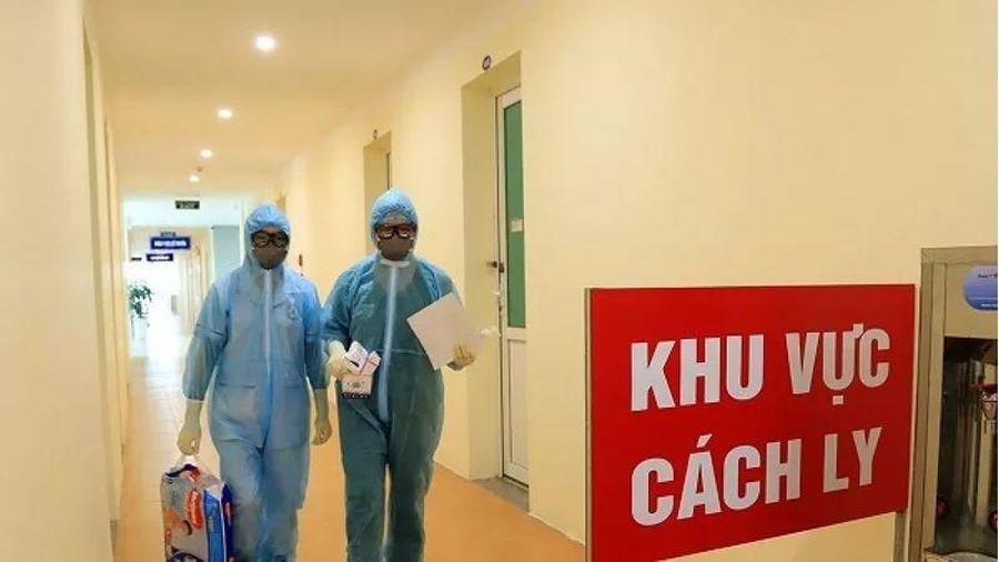 Lịch sử thăm khám tại 2 bệnh viện lớn ở Hà Nội của bệnh nhân 867, nhiều F1 là nhân viên y tế