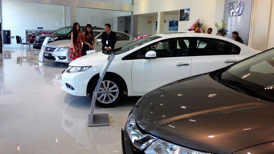 Mua xe ô tô mới cần nộp những khoản phí nào?