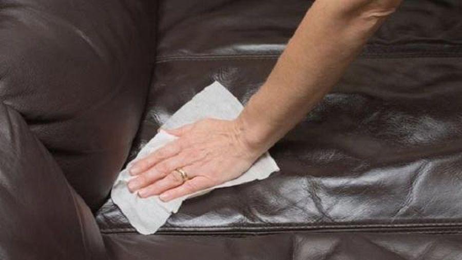 Mẹo làm mềm đồ da bằng nguyên liệu sẵn có trong bếp