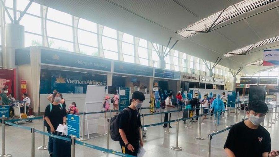 TP Hồ Chí Minh đón 300 du khách mắc kẹt tại Đà Nẵng