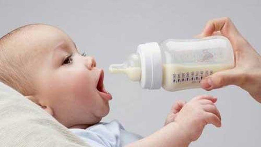 Mẹ đã biết khi pha sữa nên cho sữa hay nước vào trước chưa?