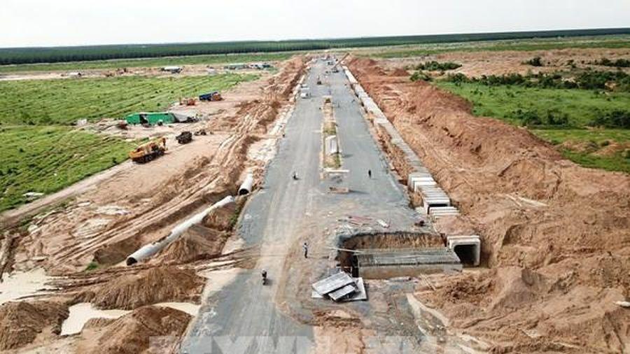 Dịch COVID-19: Hạn chế đông người khi chi trả đền bù thu hồi đất tại sân bay Long Thành
