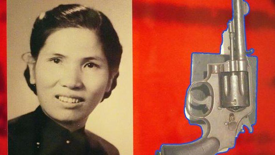 Những hiện vật chứng tỏ 'lòng vàng gan sắt' của phụ nữ Việt Nam trong Tổng khởi nghĩa giành chính quyền