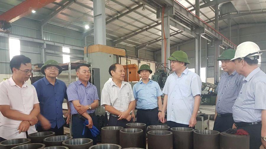 Phó Bí thư Thường trực Tỉnh ủy Ngô Hoàng Ngân kiểm tra một số dự án tại TP Cẩm Phả