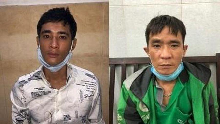 Cặp đôi trộm xe máy tại cửa hàng tiện lợi ở Sài Gòn