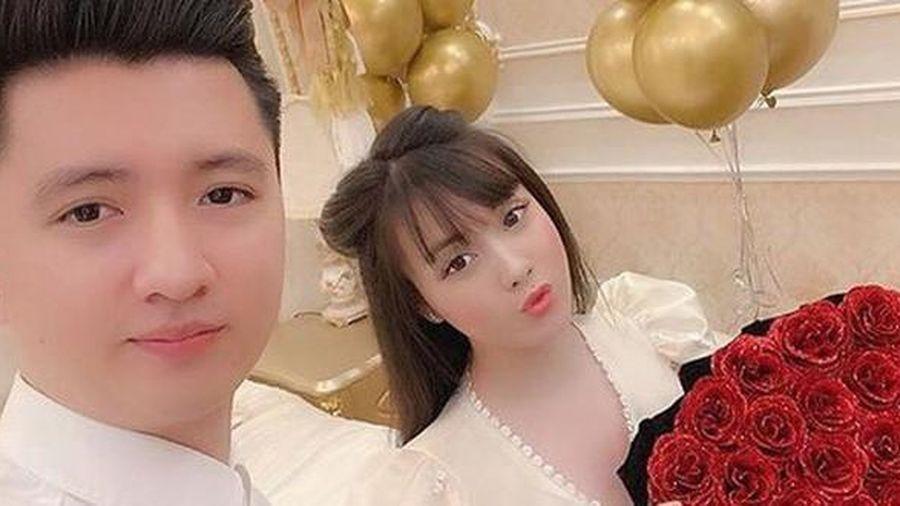 Nhan sắc xinh đẹp của nữ giảng viên đại học-vợ diễn viên Trọng Hưng