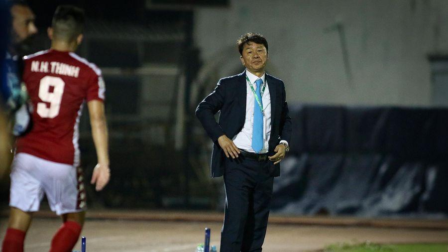 HLV Chung Hae Seong: Lãnh đạo CLB hãy để HLV trưởng quyết định chuyên môn