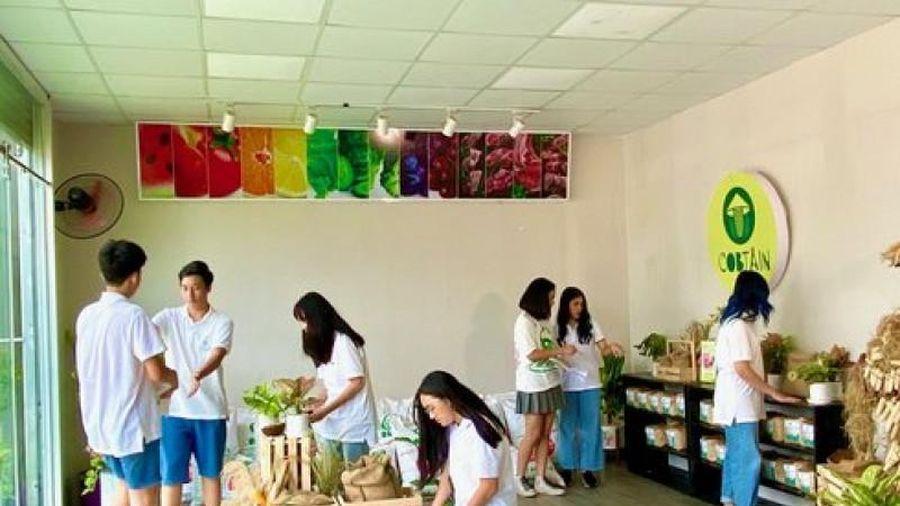 Tái chế phế phẩm từ lõi ngô, 7 học sinh Việt vô địch khởi nghiệp trẻ quốc tế