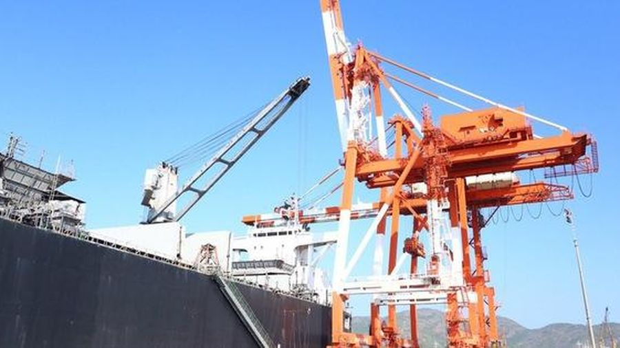 Cảng Quy Nhơn (QNP): Thay đổi kế hoạch niêm yết HoSE sau hàng loạt phản ánh bất thường từ cổ đông và VAFI liên quan đến tổng vốn đầu tư dự án