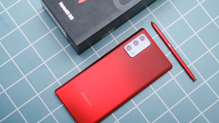 Trên tay Galaxy Note 20 Mystic Red do Jenie Blackpink làm đại sứ