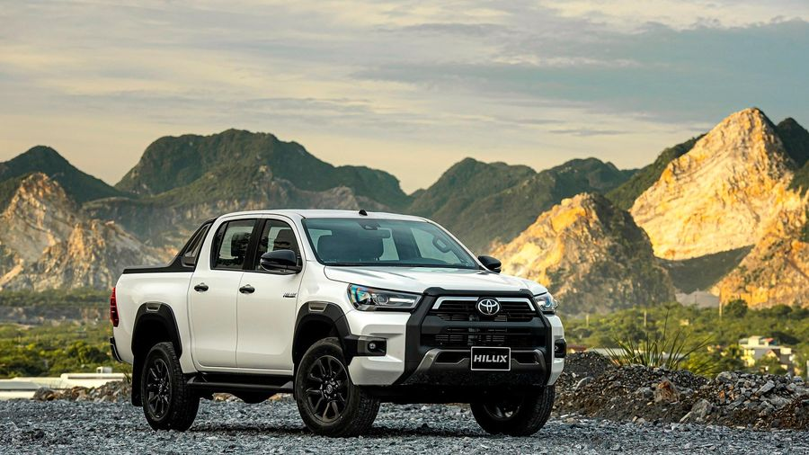 Những nâng cấp và trang bị cao cấp trên Toyota Hilux vừa ra mắt