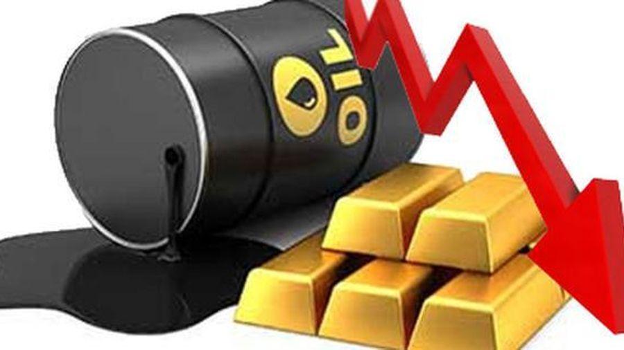 Thị trường ngày 15/8: Giá dầu và vàng cùng giảm, quặng sắt, thép, cao su đồng loạt tăng cao