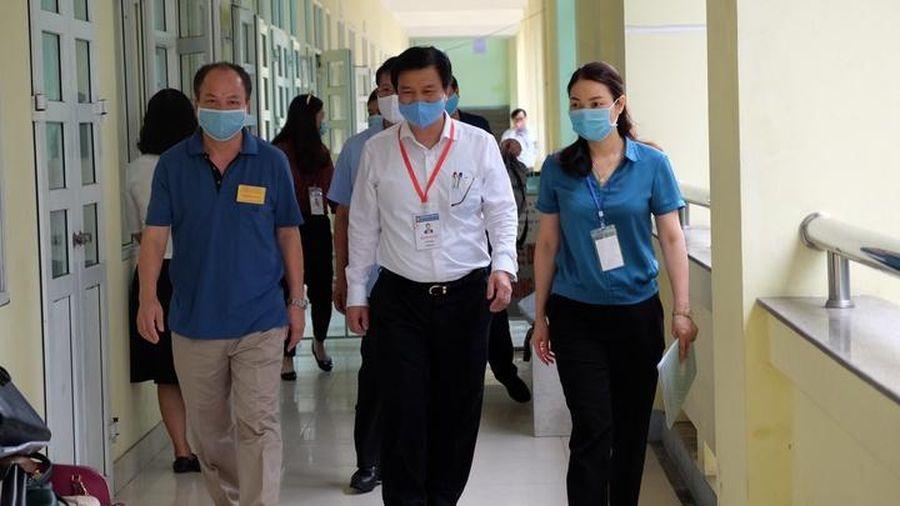 Thứ trưởng Nguyễn Hữu Độ: Không để sai sót trong khâu chấm thi