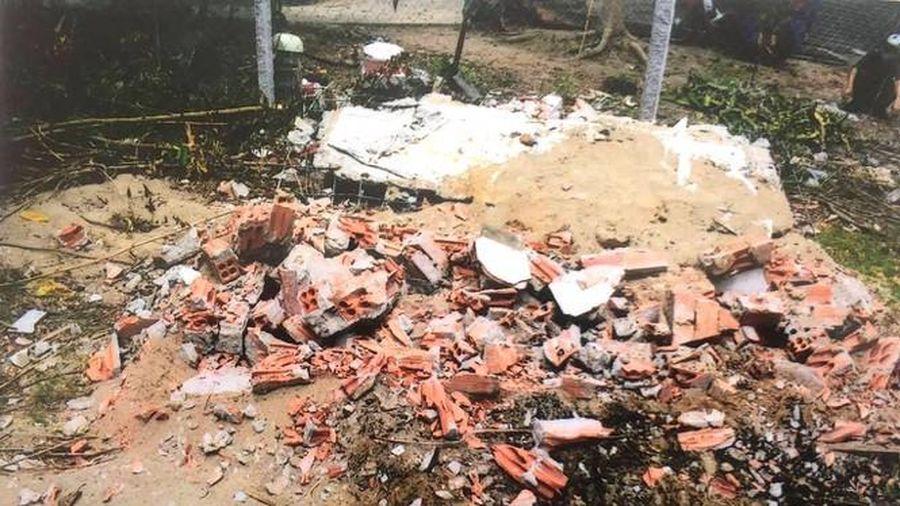 Bắt nghi phạm đào mộ đốt hài cốt mẹ vợ của con nợ