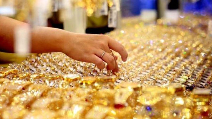 Vàng SJC 'bay' hơn 4 triệu đồng/lượng tuần qua