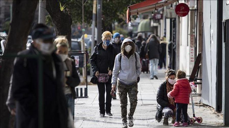 Dịch COVID-19 diễn biến phức tạp, Argentina tiếp tục kéo dài giãn cách xã hội