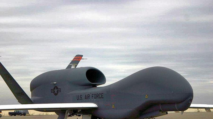 Nhật Bản cân nhắc khả năng hủy mua UAV RQ-4 Global Hawk