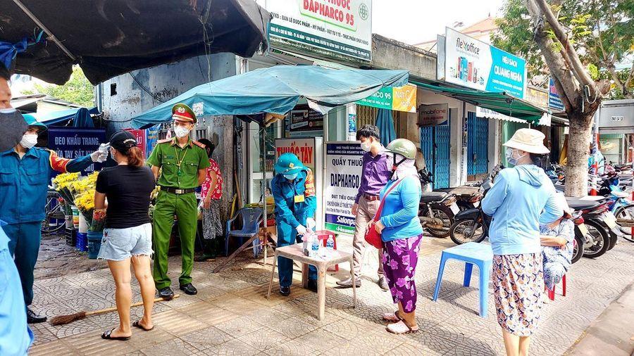 Cán bộ chống dịch mắc COVID-19 ở Đà Nẵng từng dự hội nghị, liên hoan