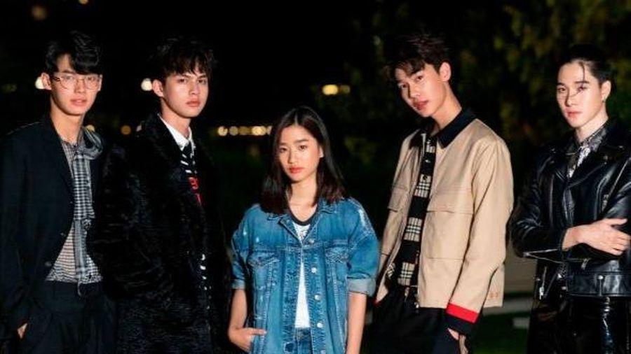 Thái Lan tung bản remake 'Vườn sao băng': Fan tá hỏa vì cặp Sarawat - Tine bỗng trở thành anh em chí cốt trong nhóm F4