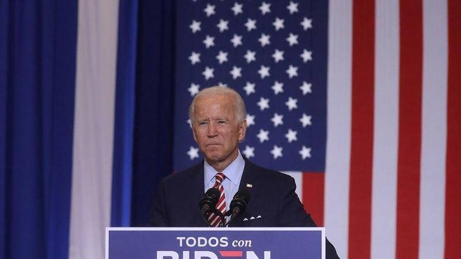Gợi chuyện cũ của ông Trump, ông Biden 've vãn' cử tri gốc TBN