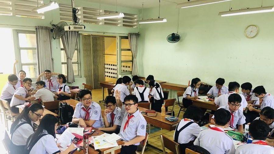 Học sinh được sử dụng điện thoại trên lớp phục vụ cho việc học