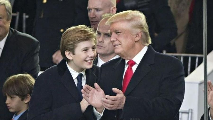 Barron Trump được cha ủng hộ sở thích bóng đá