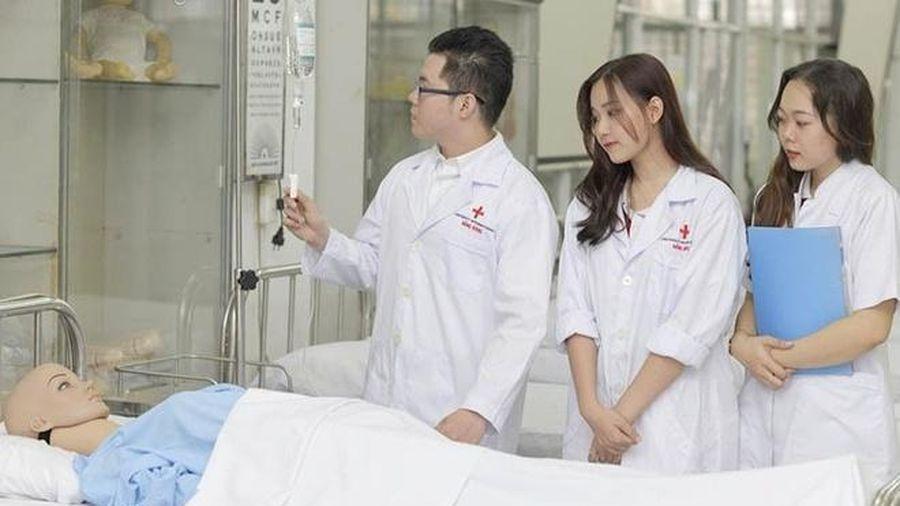Nhiều trường y dược công bố 'điểm sàn'
