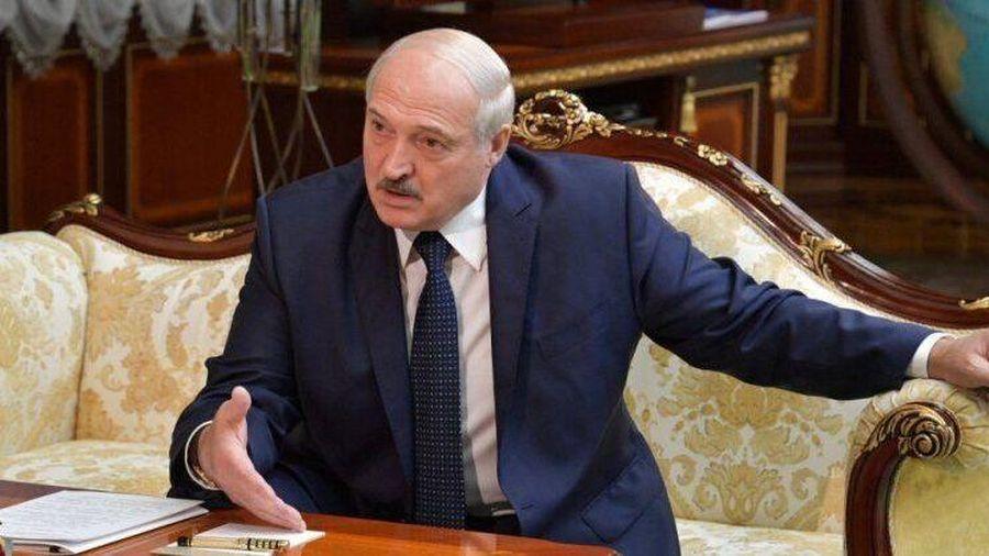 Tình hình Belarus: Tổng thống Lukashenko 'ra tay' với một số Đại sứ, nói châu Âu cho 'nổ tung bom nhiệt hạch'